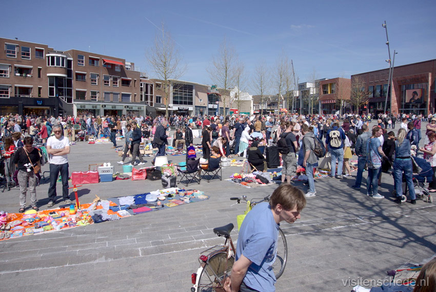 Kingsday fleamarket photo